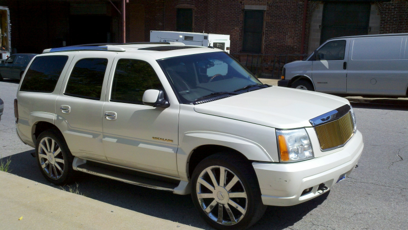 Picture of 2003 Cadillac Escalade 4 Dr STD AWD SUV exterior