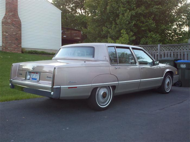 For Sale: 1990 Cadillac Fleetwood