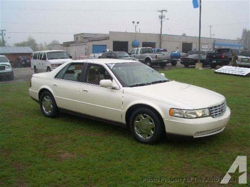 1999 Cadillac Seville SLS for sale in Rochester, Indiana