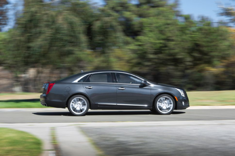 2014 Cadillac Xts V Sport Side In Motion