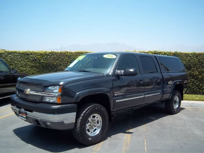 2004 Chevrolet Silverado 2500 Photos