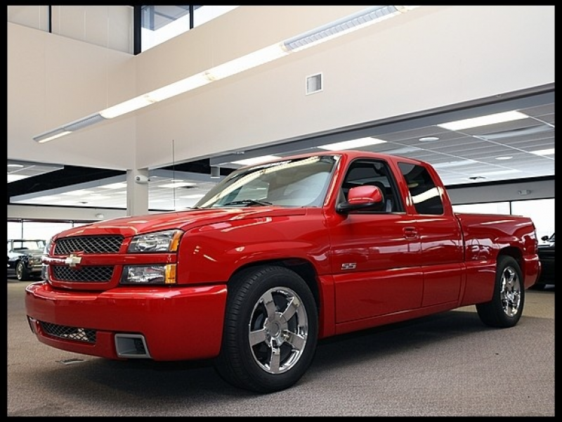 2004 Chevrolet Silverado SS Pickup 6.0/345 HP, Automatic