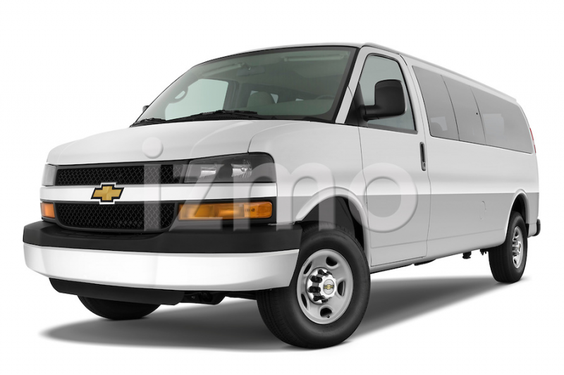 ... three quarter view of a 2008 chevrolet express 3500 passenger van