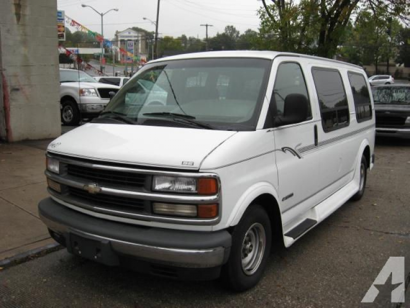 2000 Chevrolet Express 1500 for sale in Floral Park, New York