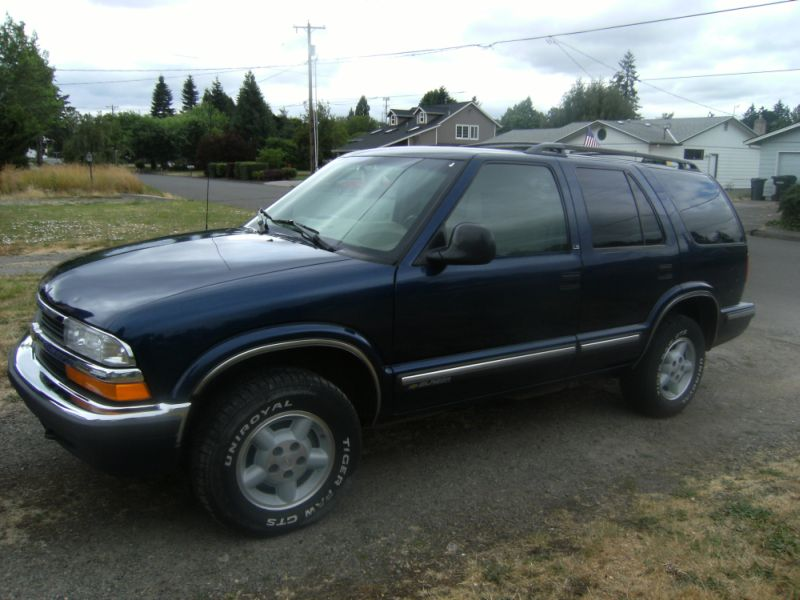 1998 Chevrolet Blazer 4 Dr LS 4WD SUV picture, exterior
