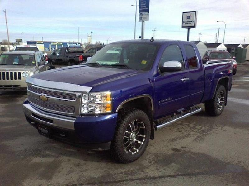 2011 Chevrolet Silverado 1500 LT - Olds, Alberta Used Car For Sale