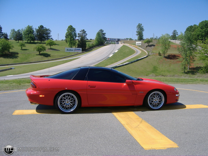 Photo of a 2002 Chevrolet Camaro SS (Heather's)