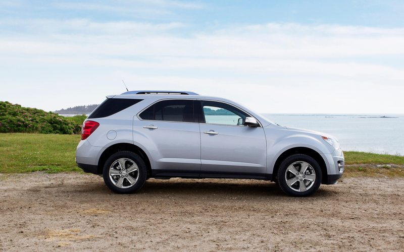 2013 Chevrolet Equinox Side View Photo 9
