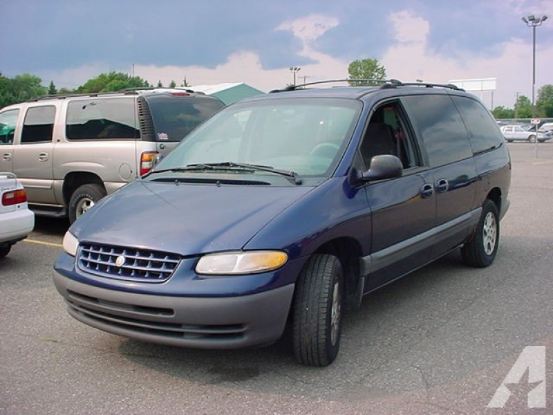 2000 Chrysler Grand Voyager SE for sale in Pontiac, Michigan