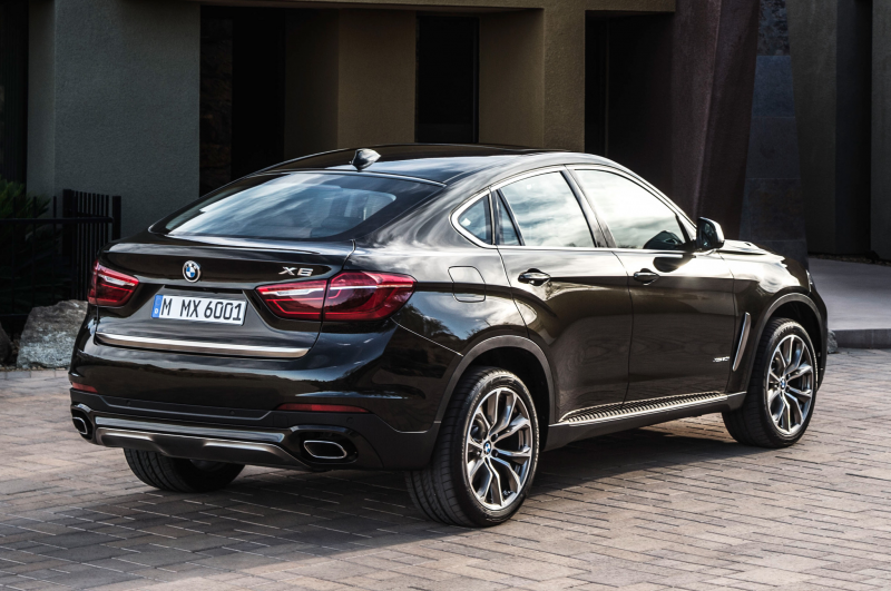 2015 Bmw X6 Rear Side View Parked