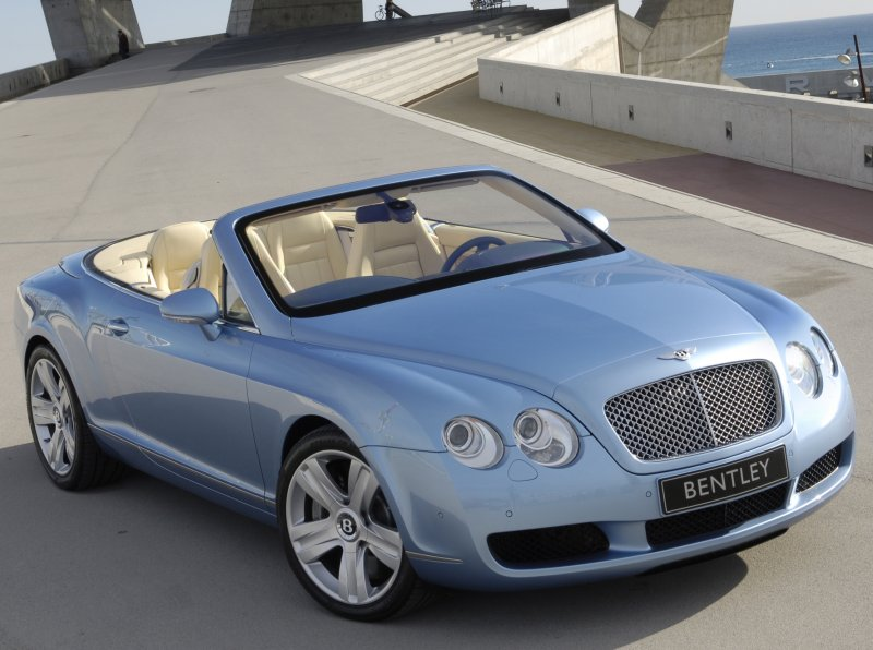 This luxury Bentley Continental GTC 2013 car prices $193,000 to $2165 ...