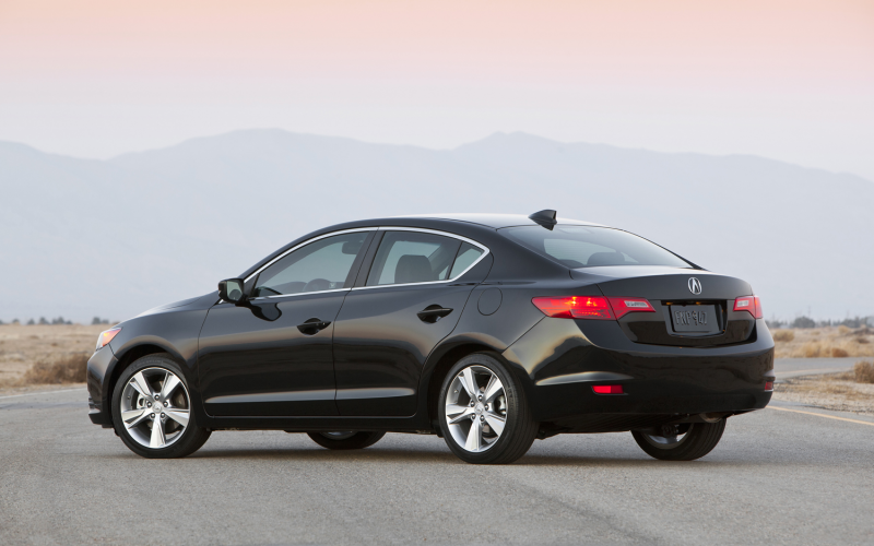 2013 Acura Ilx 2 4L Rear Three Quarter