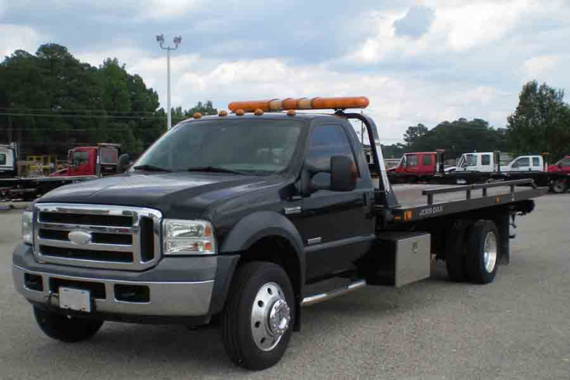2006 Ford F550 with 19' Jerr-Dan RRSB Steel Carrier